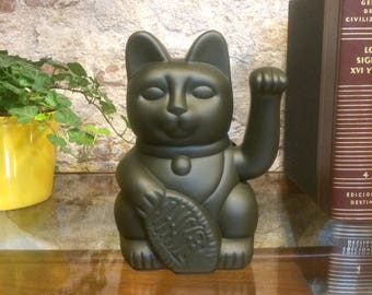 Maneki Neko / Lucky Cat / Waving Cat in 2 Sizes – Olive Green
