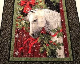 """Holiday Horse Wall Hanging Quilt  34"""" x 45"""""""