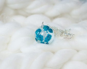 Blue real dried flower necklace