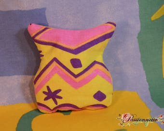 Small heating pad rice-based fabric in neon yellow