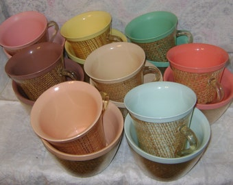 16 vintage 1950s Raffia Ware MELMAC and BURLAP Bowls with matching Coffee Cups - 8 Colors