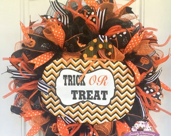 Trick or Treat Halloween Wreath, Pumpkin Wreath, Orange and Black Wreath, Chevron Pumpkin Wreath, Halloween Wreath, Halloween Door Wreath