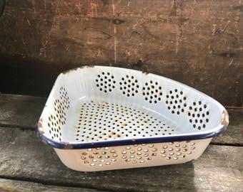 Vintage White Enamel Colander | Rustic Triangular Enamel Strainer | Rustic Planter | Chipped Enamel Strainer | Farmhouse Kitchen Decor |