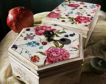 Beautiful handmade decoupage box, which can be used for jewelery storage or sweet's. It's ideal gift for your loved ones.