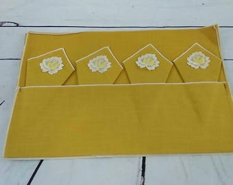 Vintage Majestic Creations 8 pc Place Mat Set Yellow With Floral Embroidery