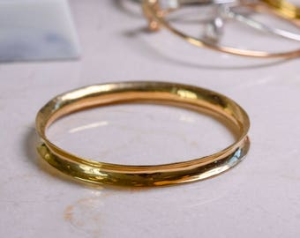 Handraised 18ct gold vermeil anticlastic wave bangle