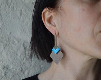 Sky blue earrings deep diamond enamel and metal color bronze