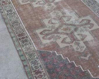 """7'9""""x3'11"""" Neutral Vintage Turkish Rug"""
