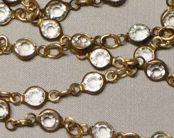 1 Foot 4 mm Delicate Bezel Set Crystal & Brass Chain 26 Glass Links per Foot Gold Tone Q2