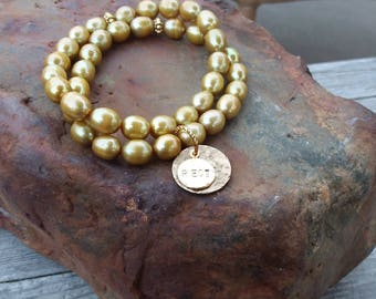 Gold Freshwater Pearl Bracelet, Freshwater Pearl Jewelry, Gold and Pearls, Pendant Jewelry, Charm Bracelets, Formal Jewelry