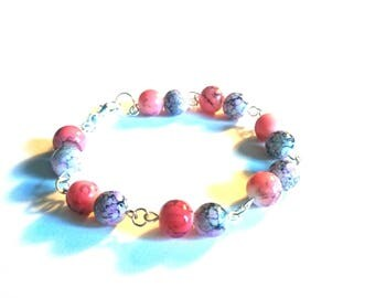 Pretty purple and pink cracked bead bracelet