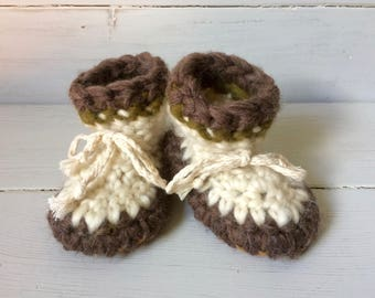 Childrens slippers, Crochet slippers, Sheepskin slippers, newborn slippers, cuff slippers, toddler slippers, wool slippers, baby slippers