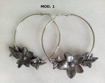 Hoop earrings, earrings flamenca, flamenco earrings, earrings with porcelain flowers cold, big earrings, earrings flower