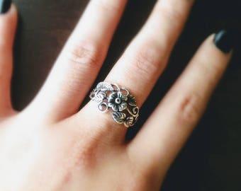 Sterling silver vine ring/floral ring/leaf branch ring/vintage ring/leaves ring/plumeria ring/twig branch ring/oxidize ring/leaf ring