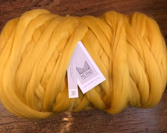 Super Bulky Yarn, Arm Knit Wool Yarn Merino 100% wool yarn 22 - 23 µm 1kg/ 2.2.lbs