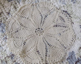 Lovely round doily crochet vintage pft State