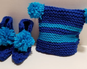 Infant Blue and Aqua Hat and Booties Set