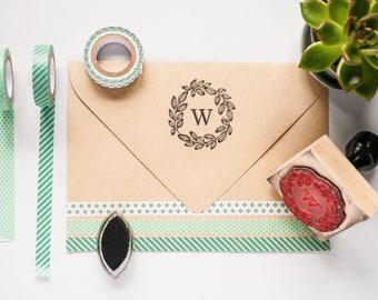 Custom Wreath Monogram Stamp, Wedding Gift, Housewarming Gift, Personalized Stamp, Custom Rubber Stamp, Wreath stamp, Hand drawn