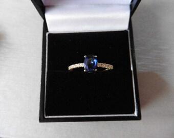 0.80ct sapphire and diamond ring - 14ct