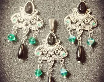 Set earrings and pendant