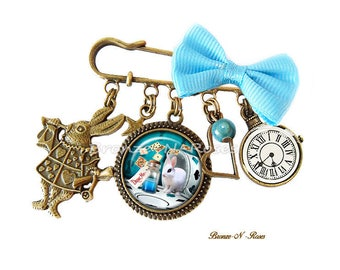 PIN Drink me Alice in Wonderland blue gem cabochon glass