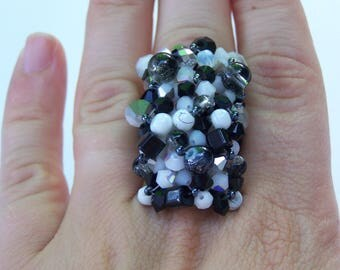 rectangular ring beads black white and gray