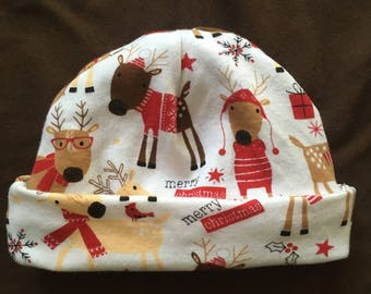 "0-4 month ""I love reindeers"" hat"