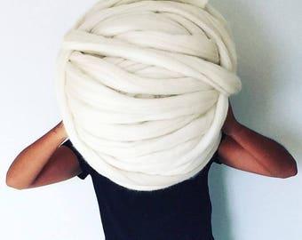 Giant 100% Merino yarn of 75mm knitting and crochet xxl plaid wool sheep noble breed. Knit chunky wool cat bed xxl stricknadel knitting