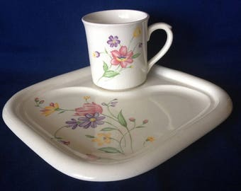 Vintage Floral Luncheon Tray JAPAN (Black)