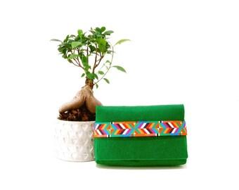 Green clutch, Boho style clutch, Gift for her, Felt clutch,  Vegan clutch, Ethnic style clutch, Gift for women, Green bag, Vegan Felt