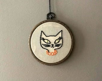 50s kitty cat embroidery hoop