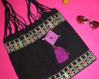 "Beautiful black shoulderbag made by traditional loom ""telar de Chiapas, Mexico"""