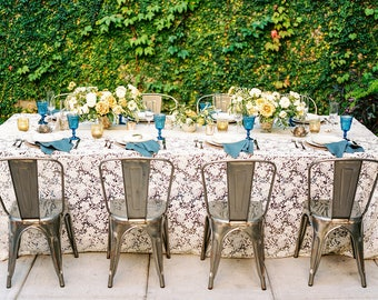Lace Table Runner | Wedding Décor | Table Linens | Rustic Wedding | Lace Runner | Table Overlay | Lace Table Linens | Lace Tablecloth