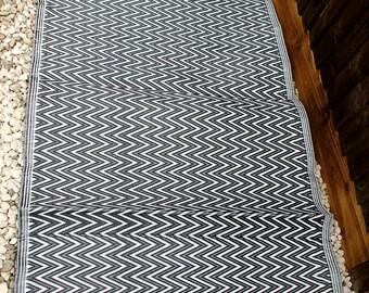 Black & white chevron stripes mat, Recycled Plastic Mat, reversible mat, plastic floor rug, plastic rug, floor runner, waterproof rug