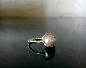 Small Pearl Statement Ring