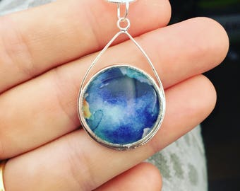 Rain Drop Pendant in Blue flower