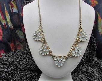 White Flower Design Necklace