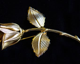 Pretty Vintage Rose Brooch Gold Tone