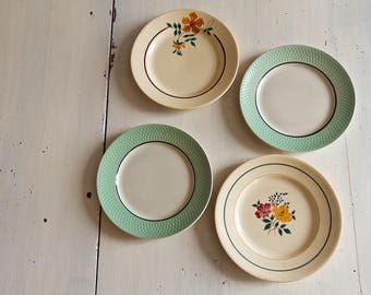 Set of 4 plates vintage odd vintage 1950