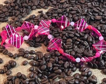 Kids pink dimond shape acrylic necklace.
