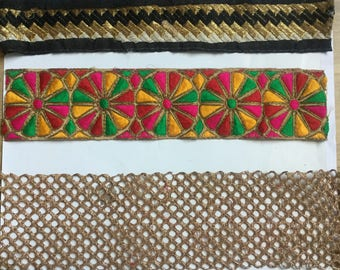 Assorted gold threadwork Lace