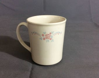 Vintage Corning Wear Cream Coffee / Tea Mug with Peach and Blue Floral Design 8oz