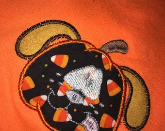 Halloween appliqued tee shirt. Dog pumpkin size 5/6