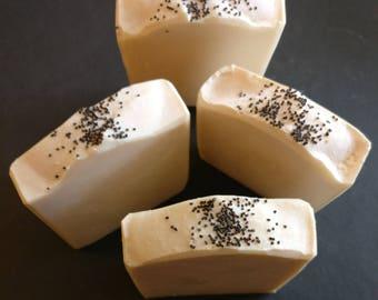 "Handmade Coconut Milk Spa Soap ""Honululu Sister"""