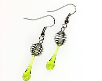Dangling earrings, Spiral light green