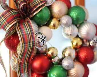 Holiday Ornament Wreath Small Traditional