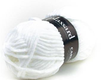 Caress Plassard polyester yarn
