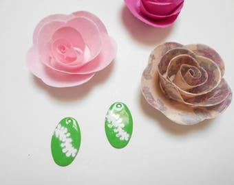 x 2 sequins enamelled green and white 26 mm