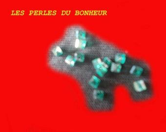 Set of 20 green square bead