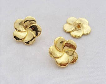 5 charms, buttons, flower gold 14mm approx.